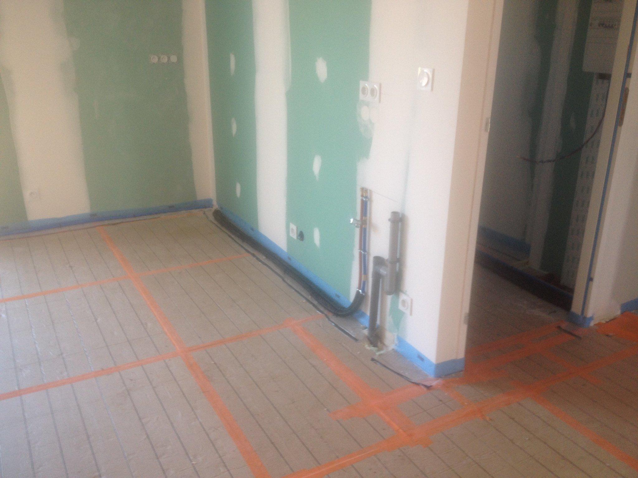 Les travaux int rieurs 3 constructionmaison33 for Bac a douche encastrable